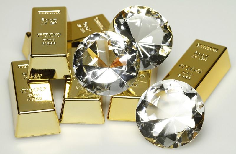 طلا یا الماس ؛ کدام یک بهتر است ؟